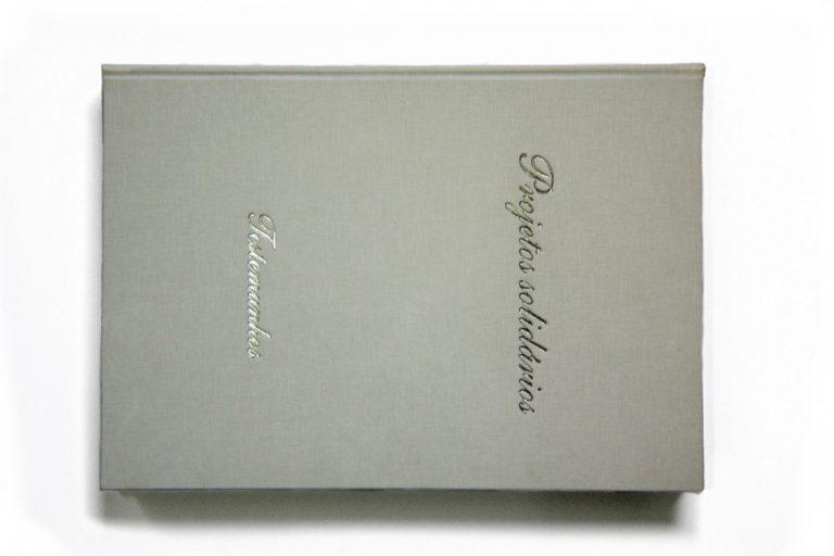 [:pt]Livro projetos solidários[:en]Book[:]