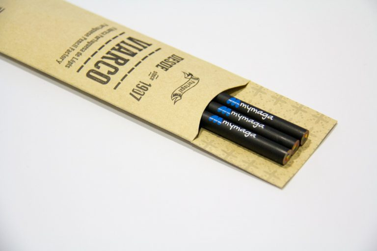[:pt]Porta-lápis de brinde[:en]Pencil-holder gift[:]
