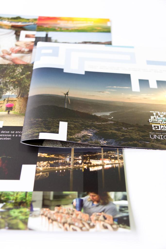 [:pt]Desdobrável Turismo Douro[:en]Douro touristic foldout[:]