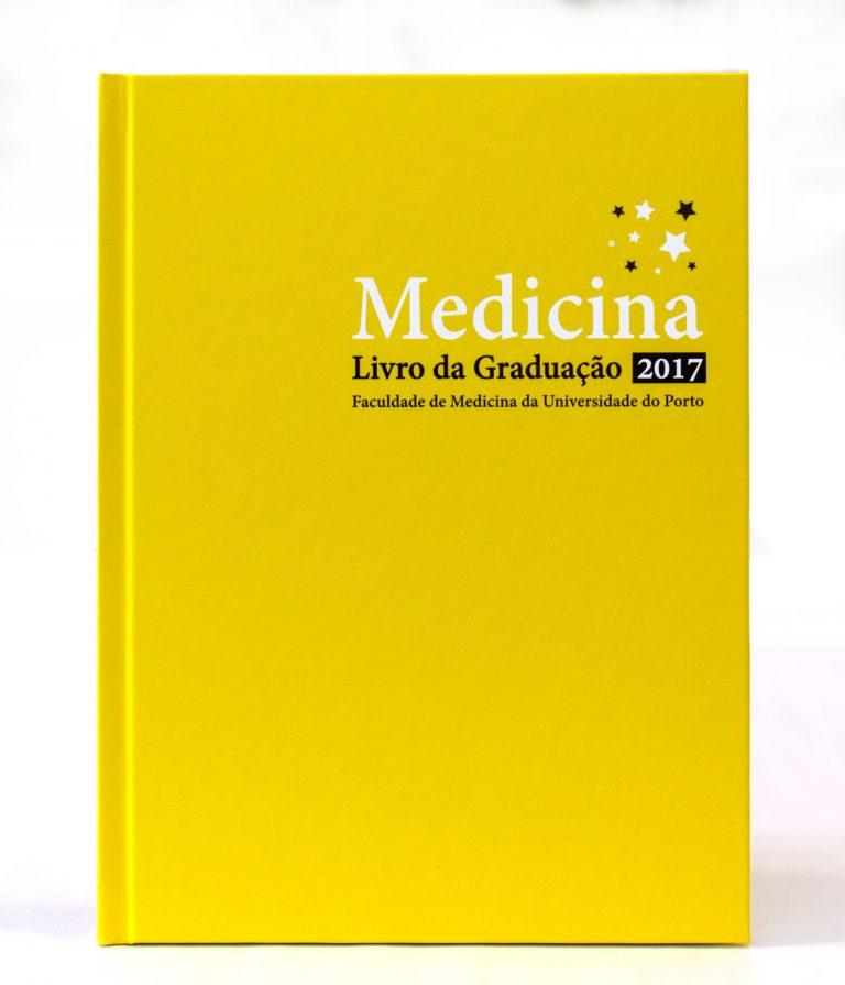 [:pt]Livro da Graduação – Medicina[:en]Graduation book – Medical school[:]